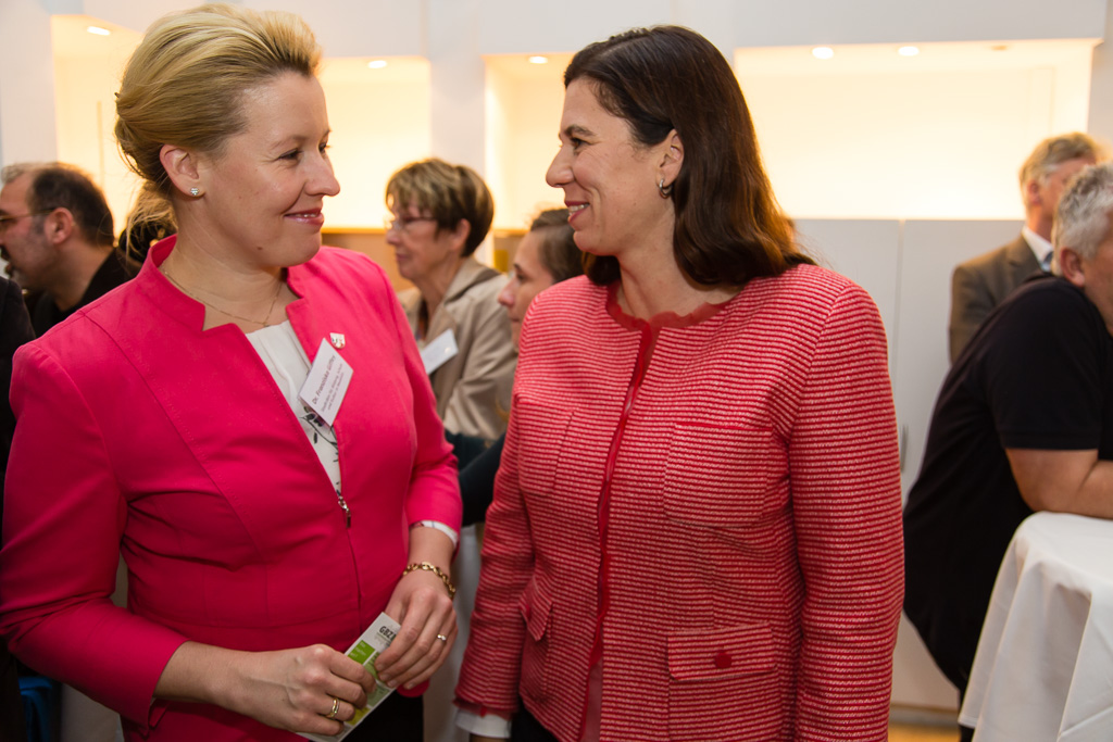 Bildungsstadträtin Dr. Franziska Giffey und Bildungssenatorin Sandra Scheeres